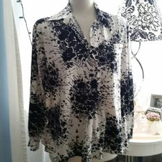 Check out this item in my Etsy shop https://www.etsy.com/listing/272365362/beautiful-black-white-retro-tunic