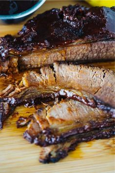 This Instant Pot Brisket recipe can be made in any electric pressure cooker or even a slow cooker. In this post, I show you how to cook a tender and juicy brisket using a flavorful rub and a few other tricks that will make it incredible. Diet Food To Lose Weight, Weight Loss Meals, Cooker Recipes, Crockpot Recipes, Easy Recipes, Beef Brisket Recipes, Bbq Brisket, Bbq Beef, Roast Beef