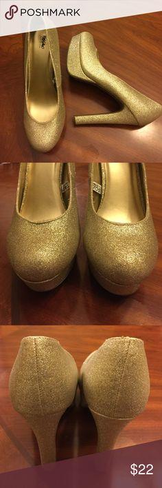 Spotted while shopping on Poshmark: ***Wasibo***! #poshmark #fashion #shopping #style #Mossimo Supply Co #Shoes