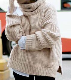 Hand knit sweater White turtle neck sweater - short white sweater - handmade wool sweater Knit sweater Wool Pullover Warm Sweater Oversize S - Вязание - Sweaters Handgestrickte Pullover, Oversize Pullover, Winter Sweater Outfits, Sweater And Shorts, Chunky Sweater Outfit, Chunky Knit Jumper, Leopard Cardigan, Outfit Winter, Hand Knitted Sweaters