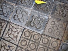 Beautiful Barcelona floor tiles, named Panots. Milerenda: Paseos curiosos por Barcelona (21ª parte)