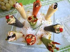 Cocinando para ellos : MINI CONOS COLORIDOS... Appetizer Recipes, Appetizers, Cooking Recipes, Healthy Recipes, Happy Foods, Canapes, Sin Gluten, Food For Thought, Lidl