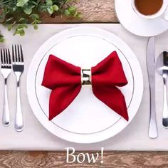 napkin folds ever hristmastwineornament hristmastwineornament Quick fixes for efficient people! napkin folding tutorial - Girl about townhouse Christmas Napkin Folding Idea Christmas Napkin Folding Idea 163 the best christmas crafts . Diy Home Crafts, Decor Crafts, Holiday Crafts, Holiday Decor, Holiday Gift Baskets, Christmas Napkin Folding, Christmas Napkins, Paper Napkin Folding, Christmas Diy
