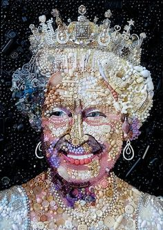 Thrifty art: The Queen would approve of how Jane Perkins has recycled rubbish including old buttons to create portraits of her in her youth, left, and today Enthralled by this artist! Queen Pictures, Weird Pictures, Button Art, Button Crafts, Elizabeth Ii, Great Works Of Art, Found Object Art, Junk Art, Recycled Art