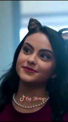 Riverdale Veronica, Riverdale Cheryl, Bughead Riverdale, Riverdale Funny, Veronica Lodge Aesthetic, Mean Girls 2, Cole Sprouse Shirtless, Camilla Mendes, Riverdale Cole Sprouse