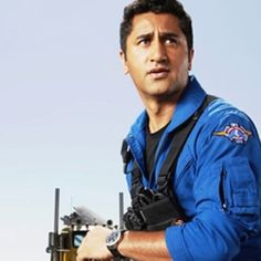 Cliff Curtis!!! I SO love him in Trauma.... Too bad it didnt get past Season 1 :(