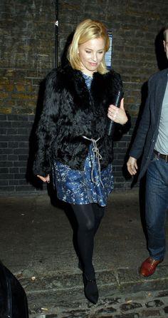 Elizabeth Banks in pantyhose - http://stockings-celebs.blogspot.com/2014/12/eda-marcus-elena-samodanova-elicia.html