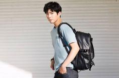 Park Bo Gum welcomes the warm season with clothing brand 'MANDARINA DUCK' | allkpop.com