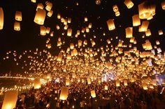 ☆タイのコムローイ祭り☆幻想的な光景を生で見に行くぞー!! | trippiece<トリッピース>