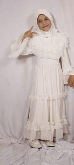 Model Baju Muslim Anak Perempuan Warna Putih Polos dan Kombinasi 9f2134c313