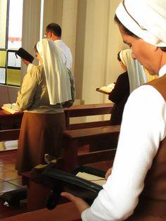 El rezo de la Liturgia de las Horas, para santificar y ofrecer a Dios el día!!!