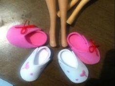 Tutorial como hacer unas pantuflas o zapatos, para tus muñecas/ How to m...