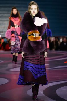 Roksanda Fall 2015 Ready-to-Wear Fashion Show