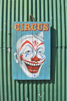 DECORATION: laughing clown circus vintage antique sign