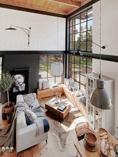 Lemn nefinisat, pereți gri și grinzi de metal într-un loft din Brooklyn | Jurnal de Design Interior Interior Design Minimalist, Loft Interior Design, Industrial Interior Design, Loft Design, Industrial House, Industrial Interiors, House Design, Contemporary Interior Design, Gothic Interior