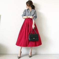 ヤセた?って聞かれちゃう♡「見た目−3kg」の着こなし方を徹底解説! - LOCARI(ロカリ) Long Skirt Fashion, Modest Fashion, Girl Fashion, Womens Fashion, Fashion Design, Uniqlo Women Outfit, Uniqlo Style, Chic Outfits, Fashion Outfits