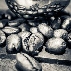 Beans - Roasted coffee beans and reflection on the measuring spoon, Coffee Roasting, Measuring Spoons, Artichoke, Coffee Beans, Reflection, My Photos, Vegetables, Food, Meal