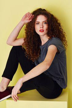 Kamila Gronner jersey pants & oversized t-shirt. Spring Summer 2015, Hair Makeup, Sexy, Model, T Shirt, Pants, Collection, Fashion, Moda