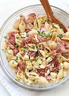 Macaroni Salad w/ Smoked Mozzarella & Proscuitto: Foodie Crush Creamy Macaroni Salad, Mozzarella Salat, Smoked Mozzarella Recipe, Cooking Recipes, Healthy Recipes, Comfort Food, Pasta Salad Recipes, Side Dish Recipes, Side Dishes