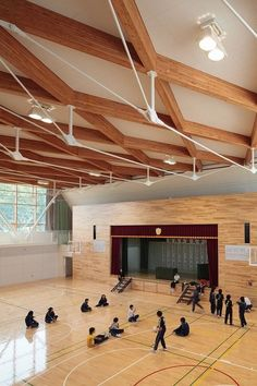 Junior high school in Kyogoku / atelier bnk – Educational Architecture Timber Architecture, Education Architecture, School Architecture, Architecture Details, Modern Barn House, Timber Roof, Timber Structure, School Building, Roof Design