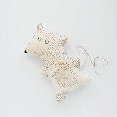 Hey, what's there, little one? #woodlandtale #kazka_works #inprogress #embroideredtoy #embroidery #bear #emotion #cute #funny #etsytoys #etsykids #etsygifts #etsyseller #forkids #pourlesenfants #softsculpture #fiberart #whiteonwhite #inthemaking #onmydesk #ぬいぐるみ #刺繍 #クマ #bordado #broderie #plush #peluches #handmade #muñecos