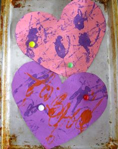 Our heart card is a little piece of modern art that makes a great Valentine's Day gift for a creative friend. Make a heart card using paper, paint, and marbles.