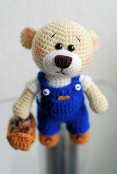 """""""Schon wieder Montag?""""... fragt sich der kleine Teddybär und bleibt lieber bei Dir Daheim ❣"""