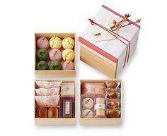 ひなの節|季節菓子|たねやのお菓子 | たねや Dessert Packaging, Cookie Packaging, Food Packaging, Packaging Design, Japanese Candy, Japanese Sweets, Homemade Cookies, Yummy Cookies, Chocolates