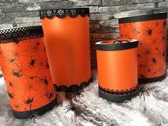 Schaurige Lichtdekoration für Halloween - hier entstanden Lichter aus unserem Transparentpapier. Mehr unter http://www.kreatives-allerlei.com/schaurig-schoene-laternen-selber-basteln/