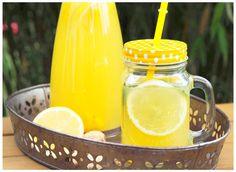 Kennt Ihr schon das diesjähre It-Getränk? Switchel ist ein Mischung aus Ingwer, Zitrone und Apfelessig und schmeckt wirklich gut. Cocktail Drinks, Cocktails, Healthy Snacks, Mason Jars, Low Carb, Mugs, Tableware, Smoothies, Food
