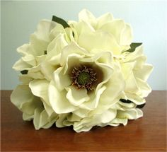 Silk Magnolia Bouquet in Ivory Gold or Deep Red door PosiesPearls