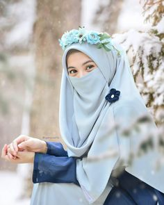 Hijab Dp, Hijab Niqab, Hijabi Girl, Girl Hijab, Niqab Fashion, Muslim Fashion, How To Wear Hijab, Hijab Style Tutorial, Dps For Girls