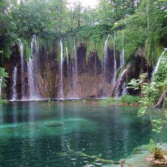 En Croatie, le parc de Plivitce et ses cascades : 200 merveilles du monde à voir dans sa vie - Linternaute.com Voyager