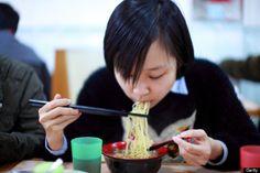 Reglas de etiqueta para comer alrededor del mundo - Qué hacer y qué no hacer.