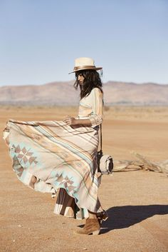 Boho Style Picture Description Spell & The Gypsy Collective Revolver Gypsy Style, Boho Gypsy, Hippie Style, Bohemian Style, Boho Chic, Regard Intense, Desert Dream, Desert Sun, Shanina Shaik