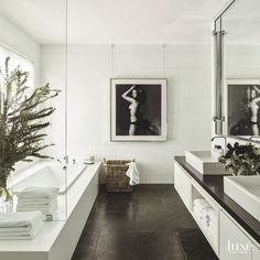 Black and white done right. #LuxeAtHome. @sandow | Phot