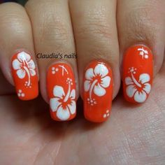 Dream of paradise with this summer-inspired nail art with free-hand hibiscus flower details. DIY wit Dream of paradise with this summer-inspired nail art with free-hand hibiscus flower details. DIY with this how-to and the nail essentials listed…. Hawaiian Flower Nails, Tropical Flower Nails, Tropical Nail Designs, Beach Nail Designs, Flower Nail Designs, Nail Art Designs, Hawaiian Nail Art, Nails Design, Hibiscus Nail Art