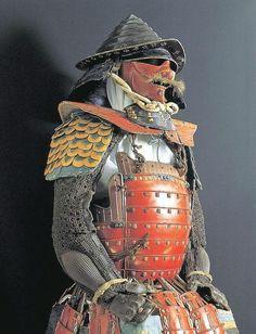 """前田利益 (1533-1612). Maeda Keiji is one of the famous samurai for his eccentric behaviors and outlandish style, so-called """"Kabukimono (傾奇者)"""", in the Sengoku Period. He was skilled in not only the use of arms but also in culture like  poems and in the tea ceremony. Keiji's armor can still be seen today at the Miyasaka Museum.  伝前田利益所用 紫糸威朱漆塗五枚胴具足(米沢市宮坂考古館所蔵)"""
