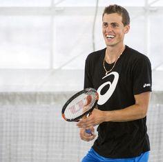 Vasek Pospisil, tennisman, instruit à domicile pour le niveau secondaire.