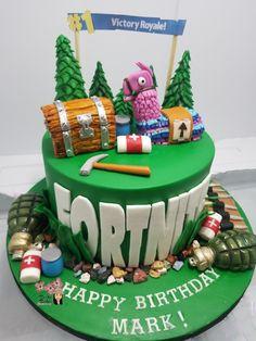 Fortnite by Shanita Kids Birthday Cupcakes, Themed Birthday Cakes, Boy Birthday Parties, Themed Cakes, Birthday Celebration, 9th Birthday, Birthday Ideas, Fondant Cakes, Cupcake Cakes