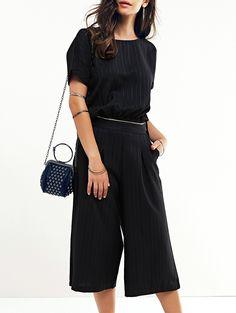 Stylish Women's Jewel Neck Striped Top and Capri Pants