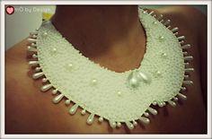 Colar maxi pérolas, feito com feltro, pérolas brancas (chaton), tudo feito a mão.  encomendas - contato@casadachiquita.com.br