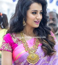 The south Indian actress Trisha Krishnan, looked gorgeous in pink, wearing heavy gold jewellery from NAC for their store launch at Kanchipuram South Indian Bride, South Indian Actress, Indian Bridal, South Actress, Beautiful Girl In India, Beautiful Saree, Mango Mala, Indie, Elegant Saree