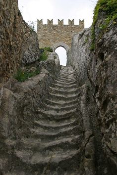 Sicily: Worn by countless medieval soldiers over the centuries, these stone stairs lead to Sperlinga Castle. In the year during the period of the Sicilian Vespers, a French garrison barricaded itself inside, resisting the siege for an entire year Chateau Medieval, Medieval Castle, Stone Stairs, Castle Ruins, Stairway To Heaven, Oh The Places You'll Go, Abandoned Places, Stairways, Beautiful Places