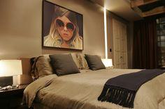 chuck bass residence - chuck's bedroom - gossip girl interiors set decoration by christina tonkin Gossip Girl Chuck, Gossip Girls, Gossip Girl Bedroom, Gossip Girl Decor, Chuck Bass, Bedroom Sets, Girls Bedroom, Bedroom Decor, Bedrooms