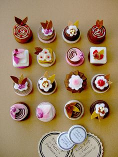 petit patisserie pin buttons