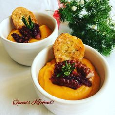 crema di zucca e patate con polpo e crostini di pane al rosmarino http://www.queenskitchen.it/polpo-vestito-a-festa