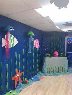 Under the sea giant octopus – Artofit Decoration Creche, Class Decoration, School Decorations, Under The Sea Theme, Under The Sea Party, Summer Crafts, Crafts For Kids, Underwater Birthday, Underwater Sea