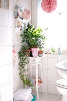 Un peu de verdure dans une salle de bain