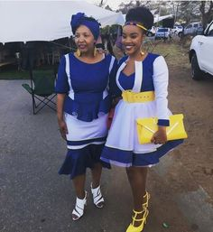 South African Traditional Wedding Dresses In different occasions, you find costumes shweshwe P Couples African Outfits, African Attire, African Wear, African Fashion Dresses, African Dress, African Traditional Wear, African Traditional Wedding Dress, African Wedding Dress, Traditional Dresses